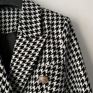 Image 4 - High street elegante 2020 runway blazer feminino duplo breasted leão botões houndstooth carreira blazer jaqueta