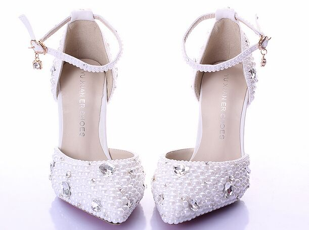 2016 Summer white pearl diamond bride shoes high heels fine with wrist strap shoes female sandals stage sweet wedding shoes 2017 fashion flowers diamond pendant bride shoes high with fine with photography single shoes for women s shoes wedding shoes
