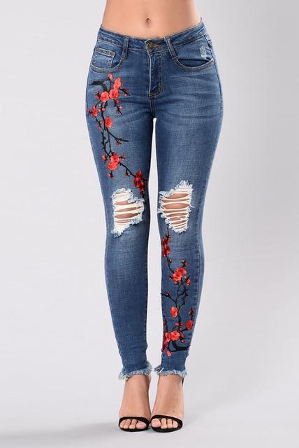 Pantalones vaqueros femeninos 2018 pantalones lápiz con bordado Ripped Jeans  para mujeres Denim Freddy pantalones rasgados b9c4f44e160