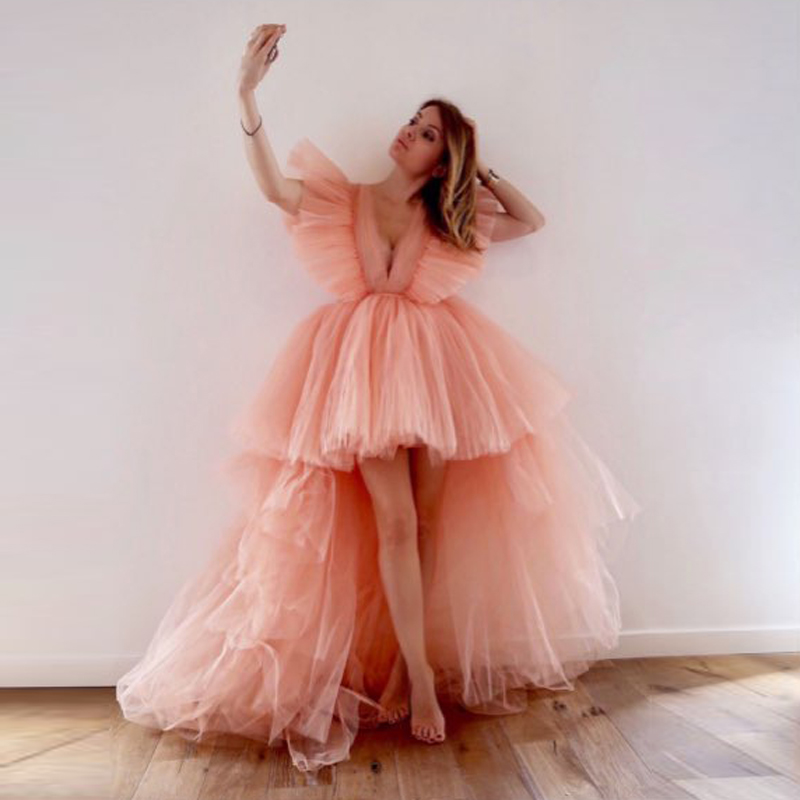 Hot Sale Hi Low Prom Gowns 2019 Hippie Style V Neck Short Sleeves Puffy Tulle Evening Formal Dresses Chic Tiered Robe de soiree