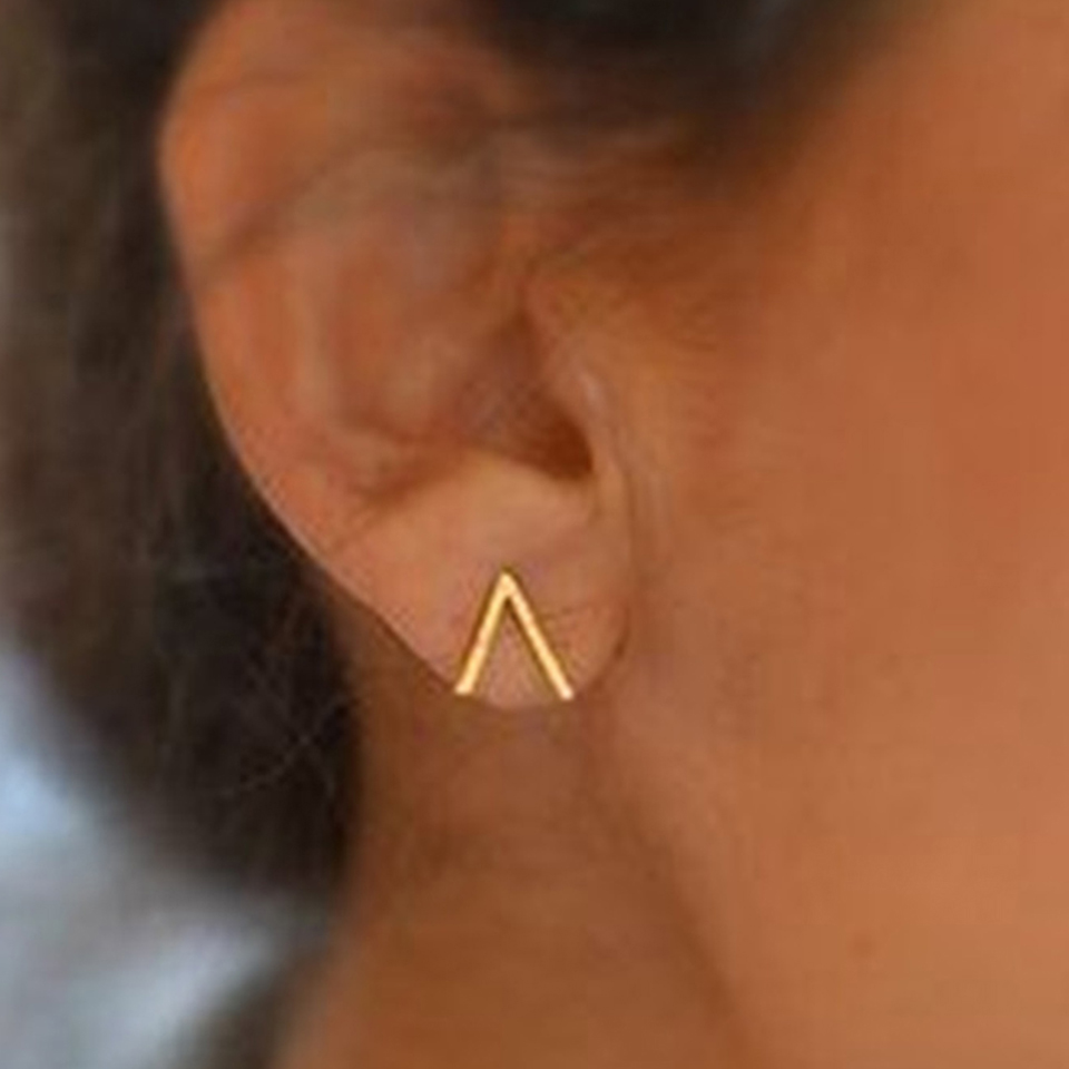 2018 Hot Sale New Fashion Trendy Earrings Brincos Oorbellen Simple Stainless Steel Wind Letter V Shape Stud Earrings for Women