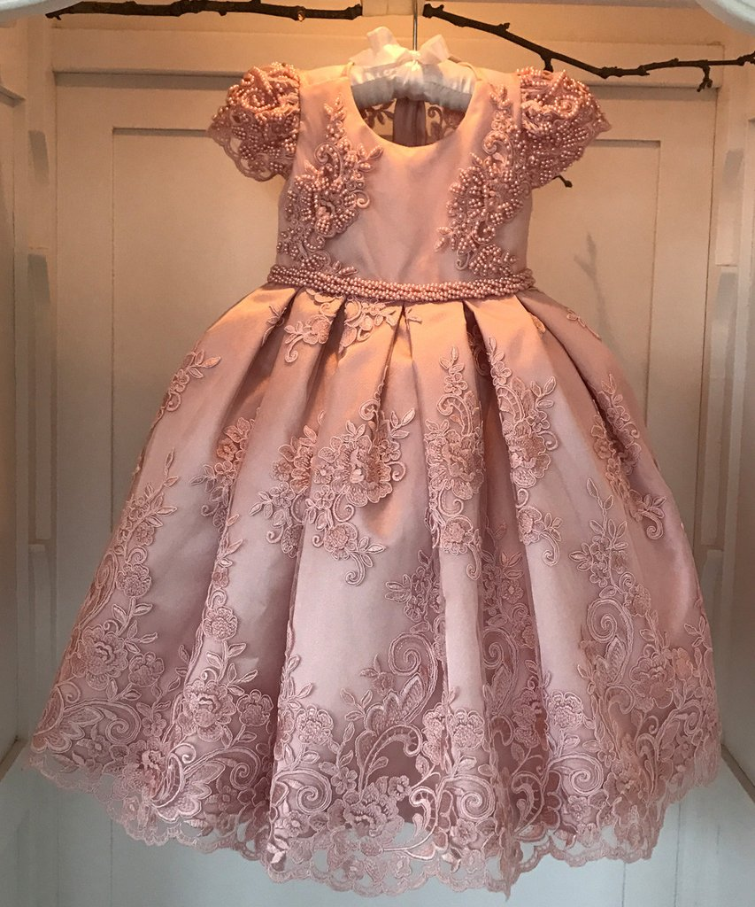 Luxurious Pearls Beaded Pink Flower Girls Dresses Wide Pleated Lace Overlay little Girls Ball Gowns for Wedding 2-12 Years Old box pleated lace