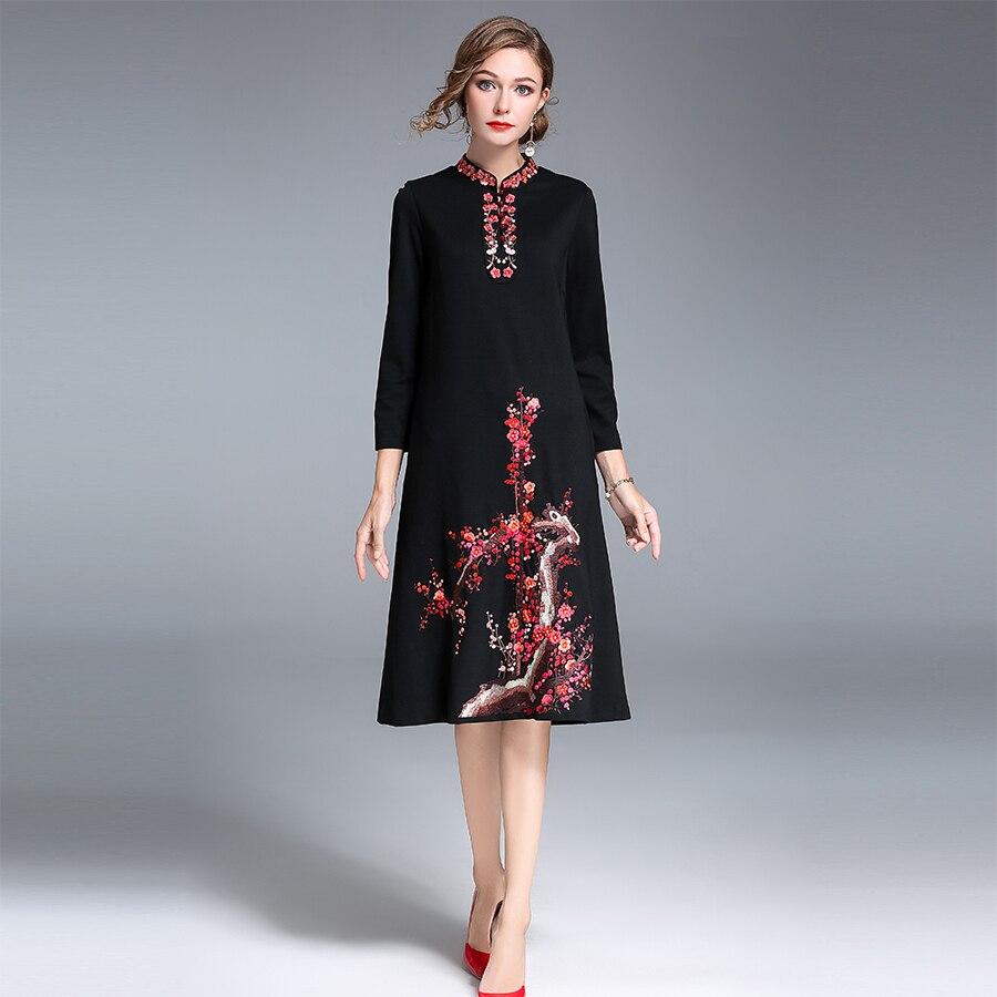 2017 Autumn New Elegamt Women Wrist Sleeves Embroidery Dress Plus Size Female Retro Stand Collar Knee