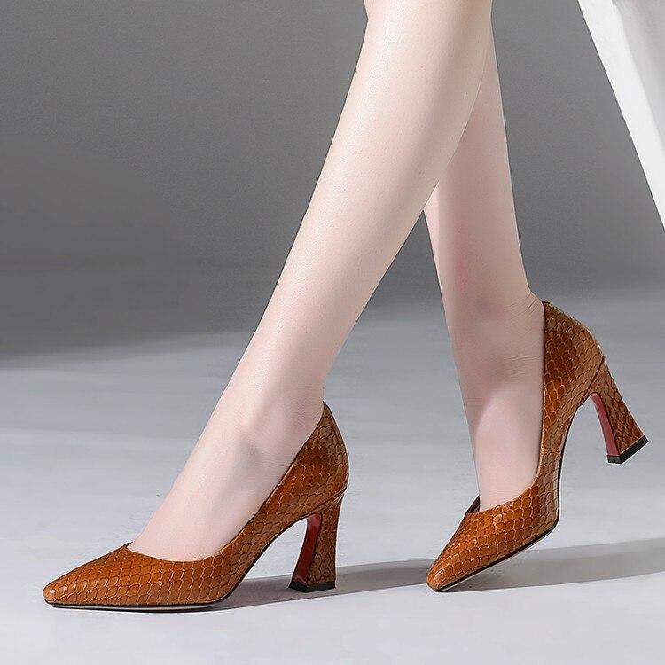 Punta {zorssar} Baja 43 Marca De Mujeres Zapatos marrón Altos Nueva Negro Llegada Mujer 2018 Las Gran Tacones Tamaño Moda CfzRCqw