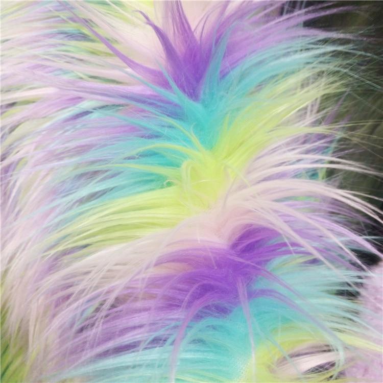 Tissu de vêtements en fourrure artificielle à quatre couleurs jacquard coloré en peluche licorne arc-en-ciel
