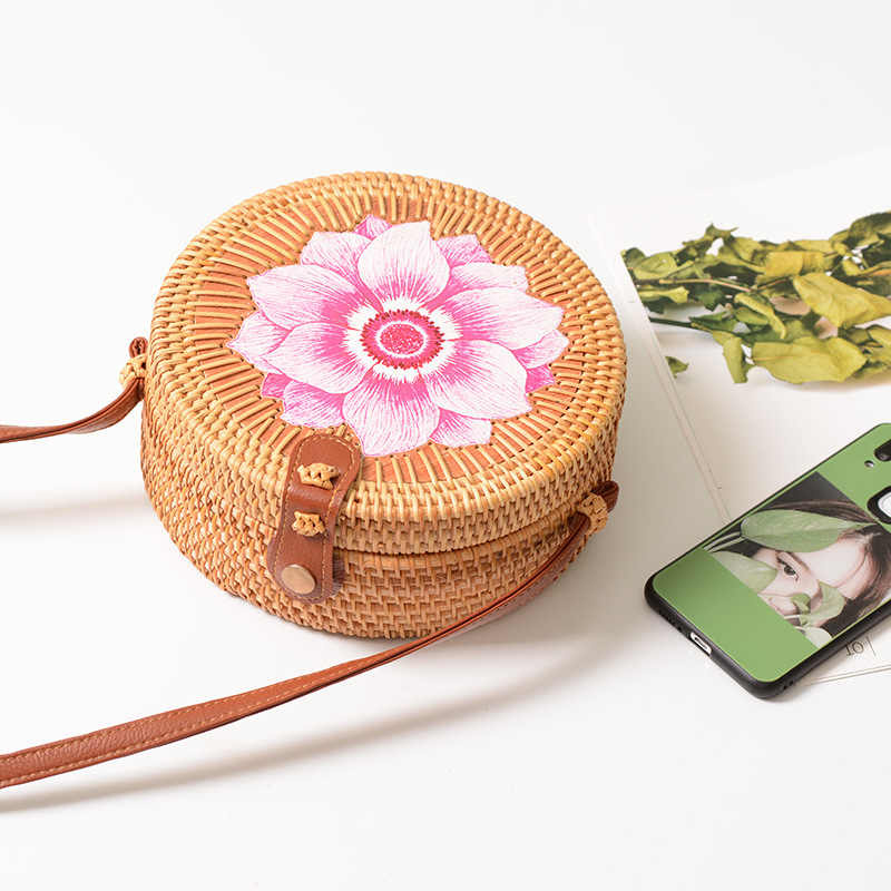 Bolsas das mulheres Ins Bohemian Handmade Flores Pequeno Rodada Oco Saco Tecido Rattan Saco PU Ombro Saco Crossbody Bolsa Feminina
