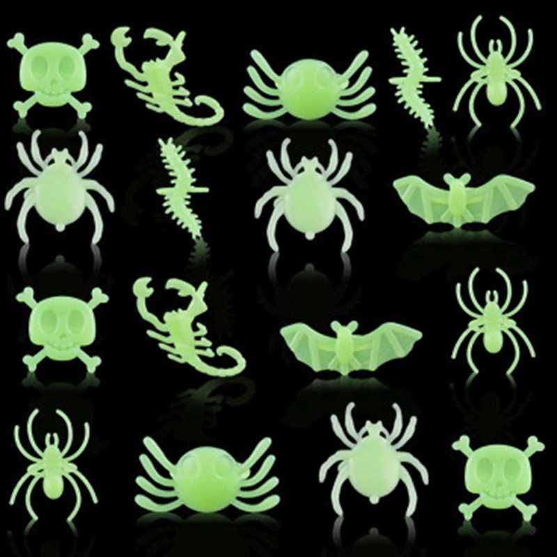 12 PCS-Pack Radom Glow In The Dark Skull Bat Spider Rings Assorted Pattern Plastic Halloween Party