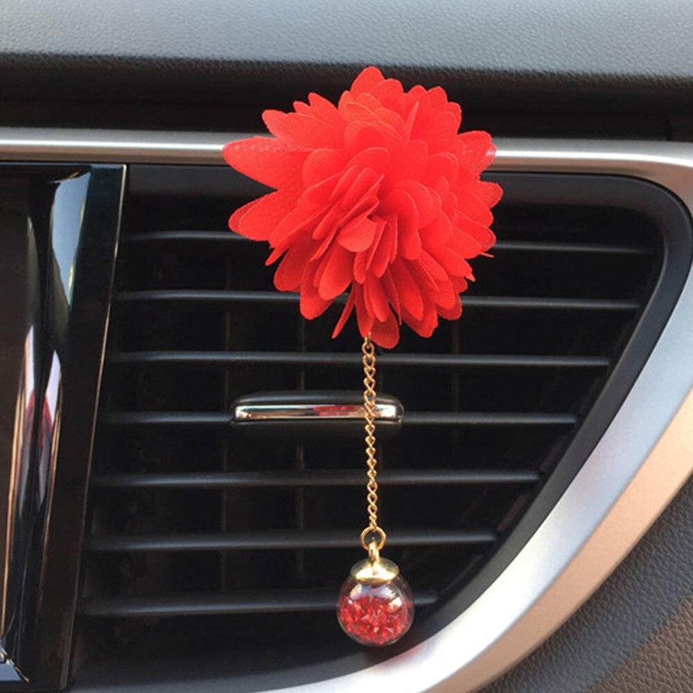 Освежитель диффузор Универсальный Автомобильный ароматизатор клип очиститель воздуха для ароматерапии воздуха на выходе Духи клип портативный авто аксессуар - Название цвета: red
