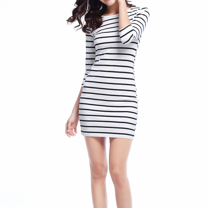 2018 Spring Casual Bodycon Women Dress O Neck Half Sleeved Black And White Striped Sheath Knitted