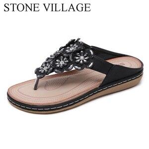 Image 3 - 스톤 빌리지 새로운 2019 여성 샌들 보헤미안 라인 석 꽃 비치 플립 플롭 대형 편안한 플랫 신발 여성