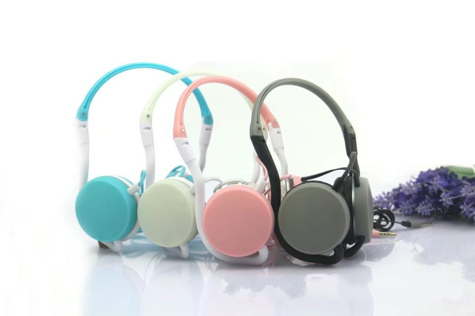 New Style Foldable Luminous Neckband Headset Sports Music Headphone  Stereo Earphone With Microphone For Mp3 Xiaomi Iphone 2017 new color style cheap cartoon headset gift anime headphone earphone