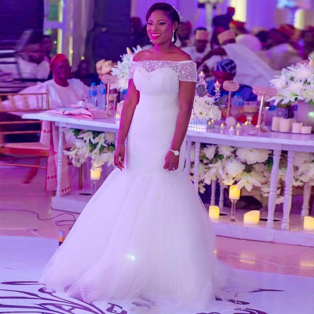Traditional White Long Sleeve Wedding Dress Ficts