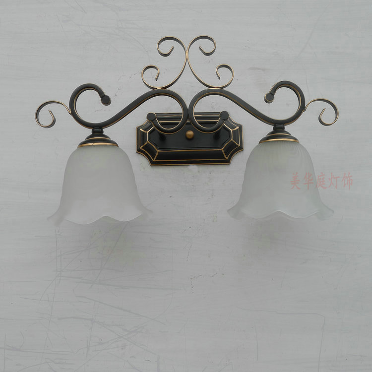 A1 European style 2 head wall lamp retro personality iron + glass Garden Hotel living room restaurant corridor wall lamp m