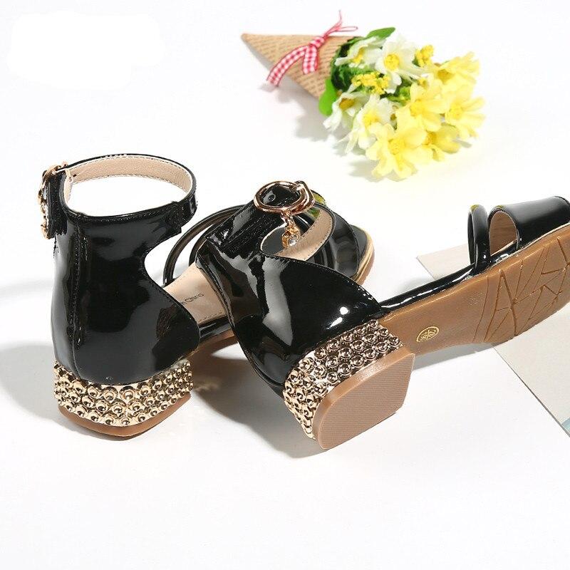 0942c3edc839f Gamlon Enfants Sandales 2017 Nouvelle D été de Filles Sandale à talons Bas  Petite Fille Pour Enfant Princesse Chaussures Peau Lumineuse roms  Chaussures dans ...