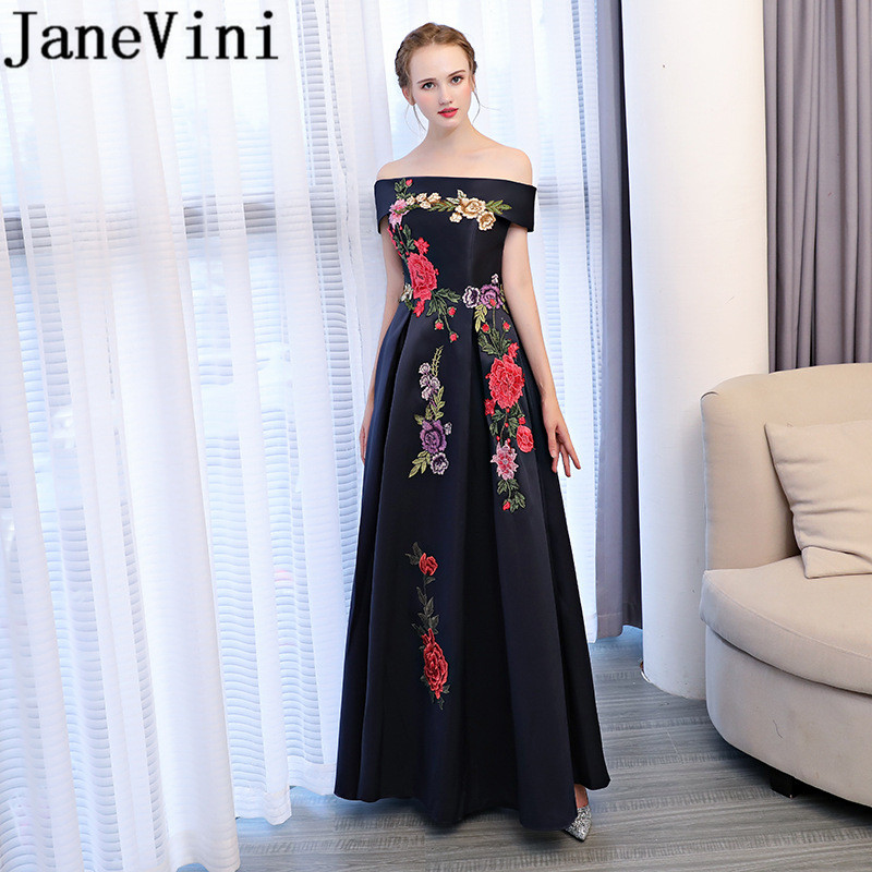 JaneVini 2018 Elegant Long   Bridesmaid     Dresses   A Line Boat Neck Lace Appliques Backless Floor Length Satin Vestido Boda Invitada