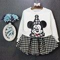 2017 Primavera Bonito ternos de Roupas Menina Minnie Mouse dos desenhos animados camisola de manga comprida + saias xadrez desgaste dos esportes Dos Miúdos Roupas