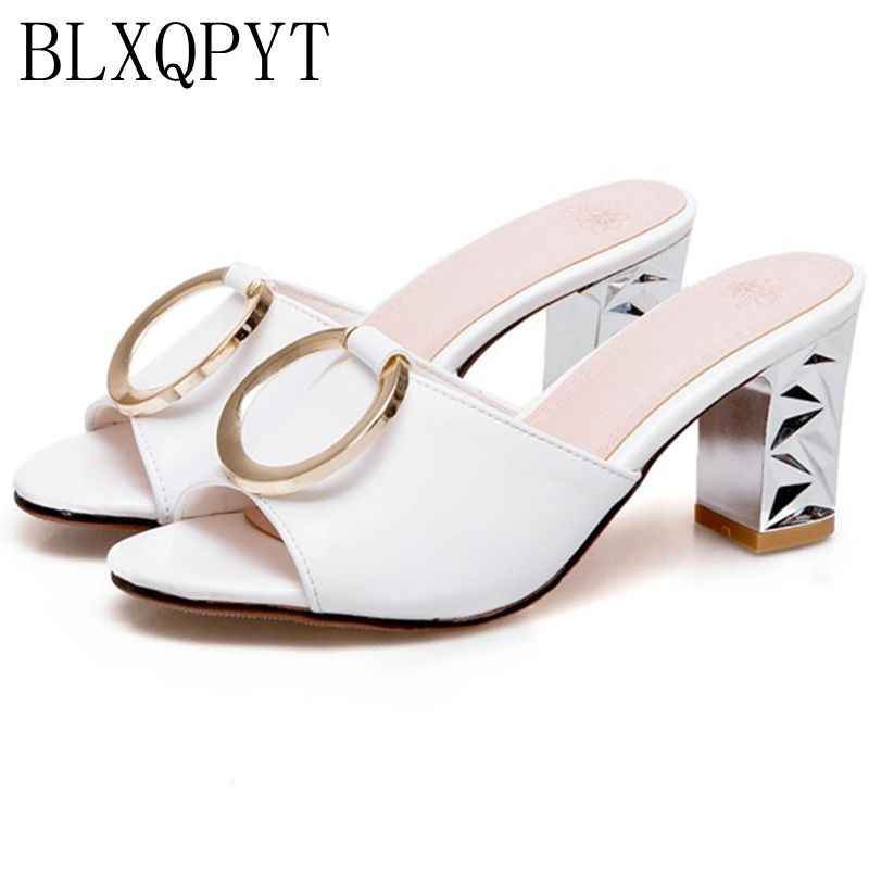 BLXQPYT Hot Sale Ladies Fashion Sandalias Mujer Big Size Summer Style Women Shoes Casual Home Beach Sandals Slippers 6207