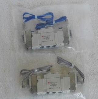 New Japanese original authentic SY5220-1MZE-01 new japanese original authentic pressure switch ise3 01 21