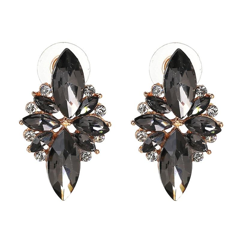 4 colors New 2017 fashion HOT women stud earrings crystal vintage korean Earrings trendy cute lovely drip flower shiny wholesale