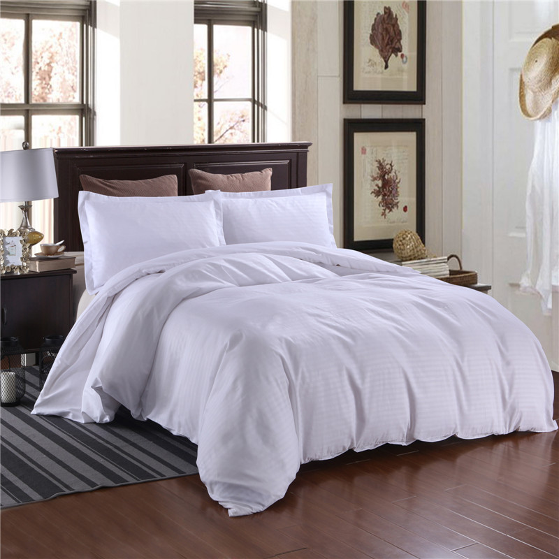 Western Style Satin Bedding Sets Solid Color Polyester Fabric Bed Set For Hotel Use Queen King Size Duvet Cover Pillowcases