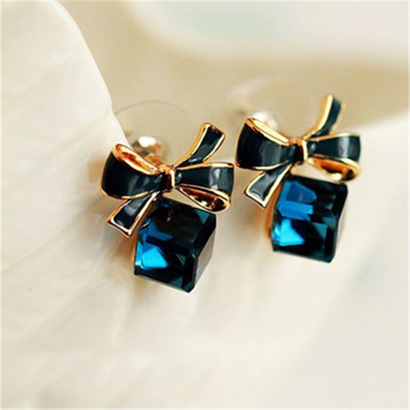 High Quality Fashion 2018 Chic Shimmer Bow Knot Cubic Green Blue Crystal Earrings Rhinestone Stud Earrings For Women Pendientes