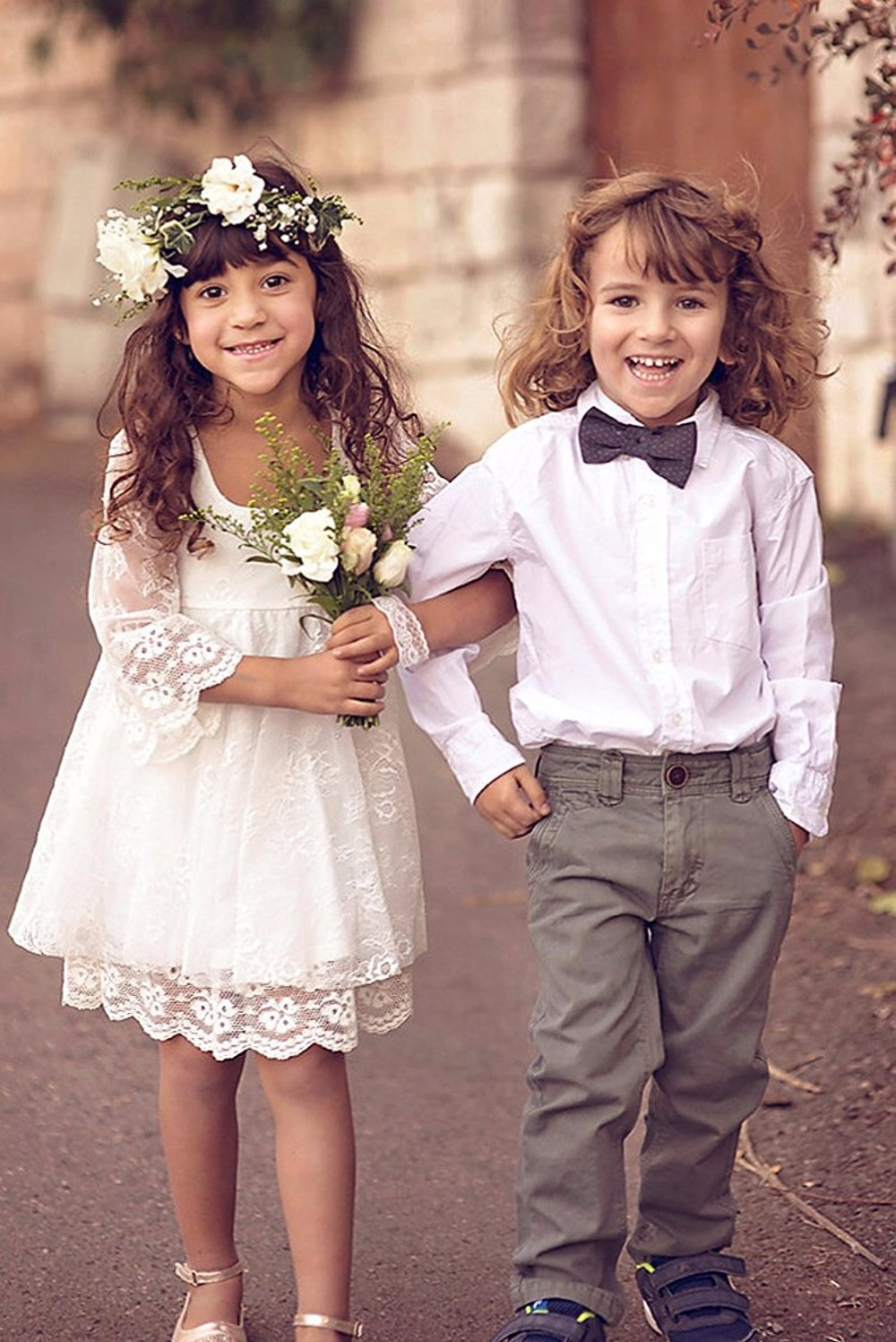 Babyonlinedress Real Photo A Line Long Sleeve Lace Flower Girl Dress For Weddings Cute Ivory kids Party Gowns With Appliques