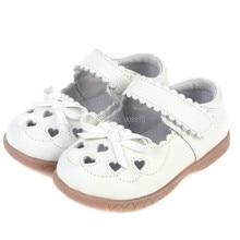 Кожаные туфли для девочек; белые туфли mary jane с вырезами в виде сердечек и бабочек; детская обувь для крещения; свадебные полусандалии