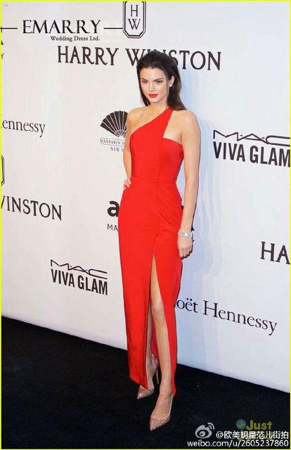 Kendall Jenner YSZ368 Venta Caliente Mancha Roja Asimétrica Del Tobillo de Longitud Vestidos de La Celebridad Sexy de Un Hombro Sin Mangas Vestido de Noche