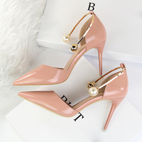 2018 Women 9cm High Heels Scarpins Sandals Lady Sexy Pearl Metal Round Valentine Pumps Leather Pointed Toe Nude Black Pink Shoes
