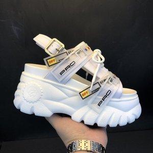 Image 1 - 2019 여름 Chunky 샌들 여성 8cm 웨지 하이힐 신발 여성 버클 플랫폼 가죽 캐주얼 여름 슬리퍼 여성 샌들