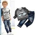 1-4 años de Los Niños Que Arropan la Camiseta + Pantalones 2 unids/set primavera otoño Bebés Cabritos del Juego de Coche de Manga Larga Denim Jeans Pantalones