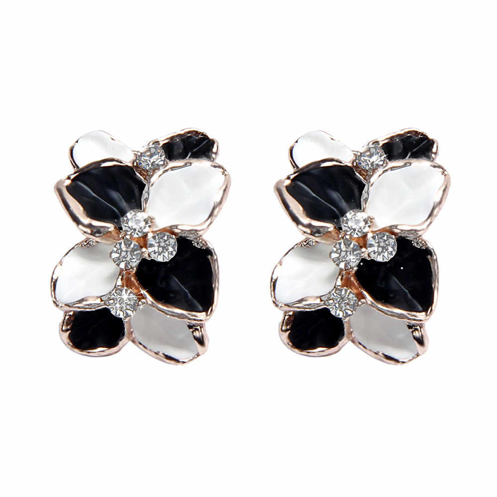 New Fashion Women Cool Jewelry Crystal Floral Earring Luxury Rhinestone Alloy Stud Earrings Ladies Earrings Accessories Gifts