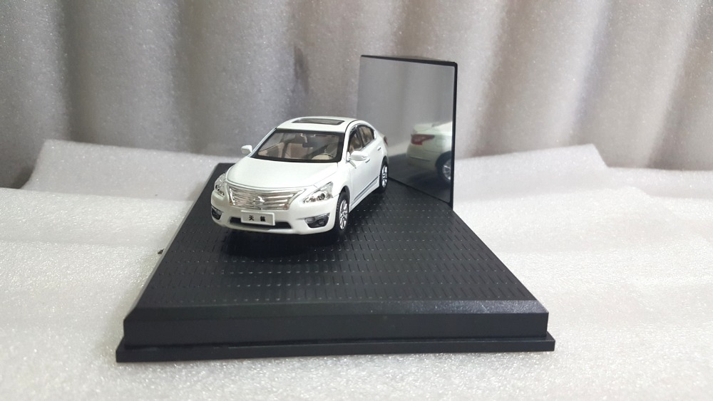 1:43 Diecast Model for Nissan Teana Altima 2014 White Alloy Toy Car Collection nikko машина nissan skyline gtr r34 street warriors 1 10 901584 в перми