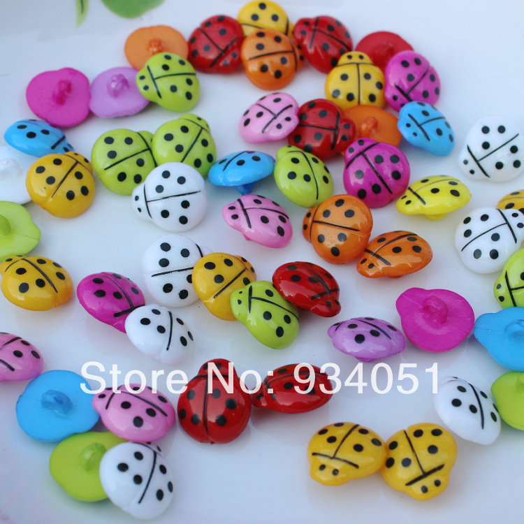 100pcs/lot Lovely Ladybug Buttons 14mm Mixed Colors Plastic Shank Buttons Ladybird Style Baby DIY Decor Free Shipping