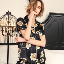 2019 New Real Silk Pajama Shorts Sets Female  Short Sleeve Summer Fashion Black Printed Silkworm Womans Sleepwear T8187
