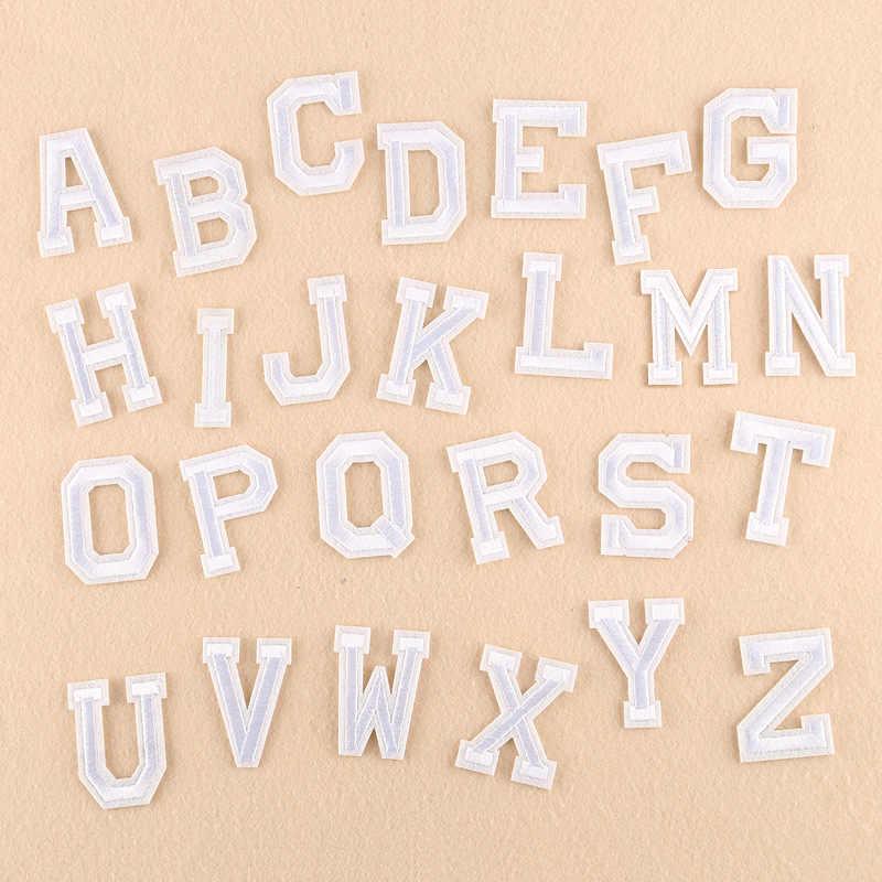 1 Pc A-Z Wit Engels Alfabet Brief Geborduurde Iron Naaien Op Applique Patch Kleding Kleding Tassen Diy Kledingstuk Accessoires