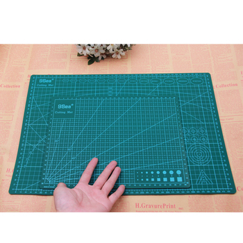 Green Color Cutting Mat Made of High Quality PVC Material For Cutting Vegetable