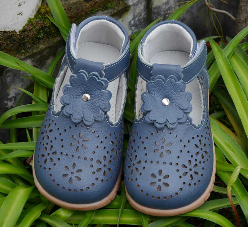 Girls Shoes Genuine Leather T-Strap White Navy Baby Shoes Beautiful Christening Wedding Shoes For Kids Half Sandal SandQbaby New