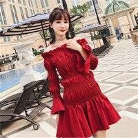 Tiro 2018 nova primavera vento líquido vermelho Coreano palavra ombro elástica camisa plissada vestido de roupa por atacado