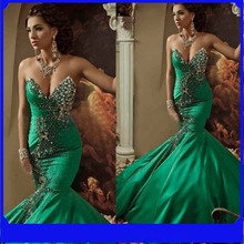 Gorgeous Green V neck Arabic Style Evening Dress 2017 Crystals Sparkly Stretch Satin Floor Length Mermaid