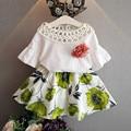 Девушки одежду летом 2016 выдалбливают верхней части рубашки малыша одежду девушки цветы блузка + цветочные юбка детская одежда набор детей