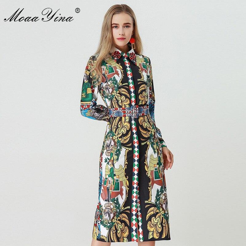 Kadın Giyim'ten Elbiseler'de MoaaYina 2018 Moda Tasarımcısı Pist Elbise Sonbahar Kadınlar Uzun kollu Turn down Yaka Elmas Kemer Vintage Karakter Baskı Elbise'da  Grup 3