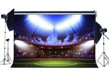 サッカーフィールド背景屋内スタジアムボケステージライトグリーン草草原スポーツ学校体育館写真撮影の背景