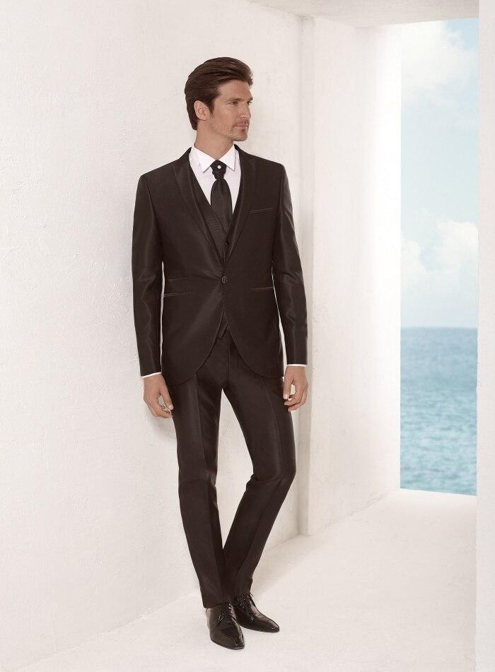 Últimas Bragas de la Capa Diseños Mancha Negro Hombres Traje Formal Slim  Fit Chaqueta Blazer Masculino Terno Tuxedo Prom Encargo Simple 3 Unidades  OP en ... f77ac1039c8