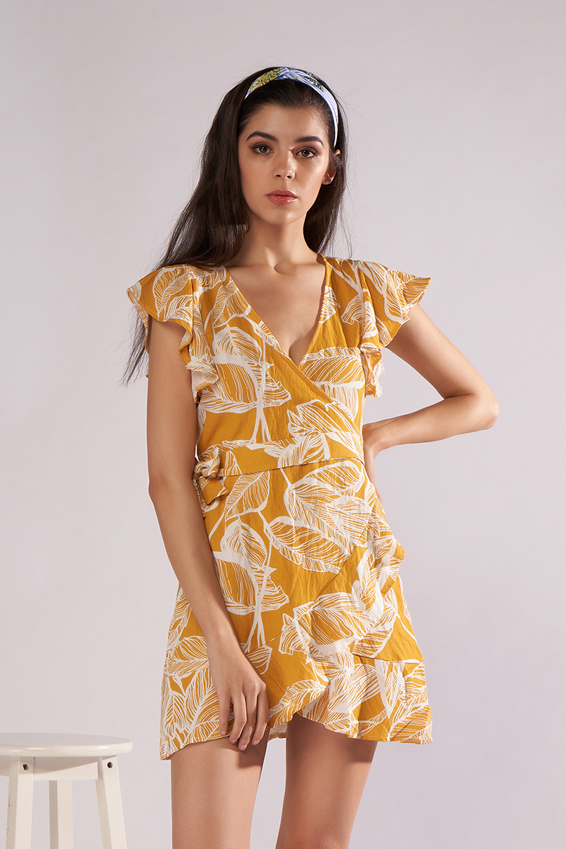 d0f86853c5 V-neck flower print yellow beach skirt – Bevsu