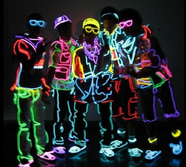 Com o controlador 20 m flexível neon glow luz el wire rope 110 v-220 v pin 8 cores diferentes para escolher para a decoração do carro, trajes