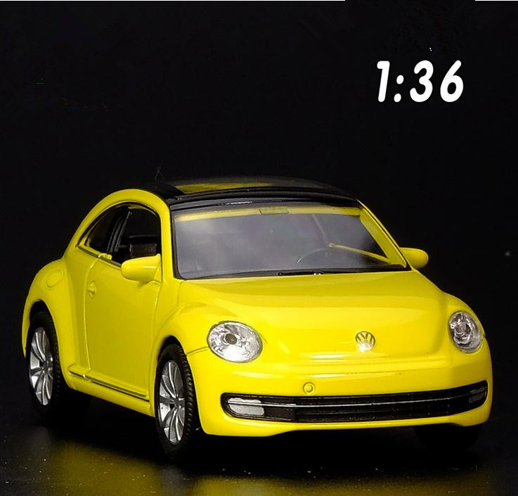 Maisto Yellow Smart Fortwo Open Door Diecast Metal Car: High Simulation Volkswagen Beetle Car Toys 1:36 Alloy Pull