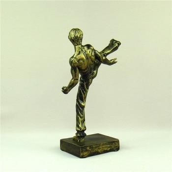 Bruce Lee Miniature Chinese Kung Fu Figure Kicking Sculpture Nunchaku Ornament Movie Star Souvenir Present Craft Art Collection 2