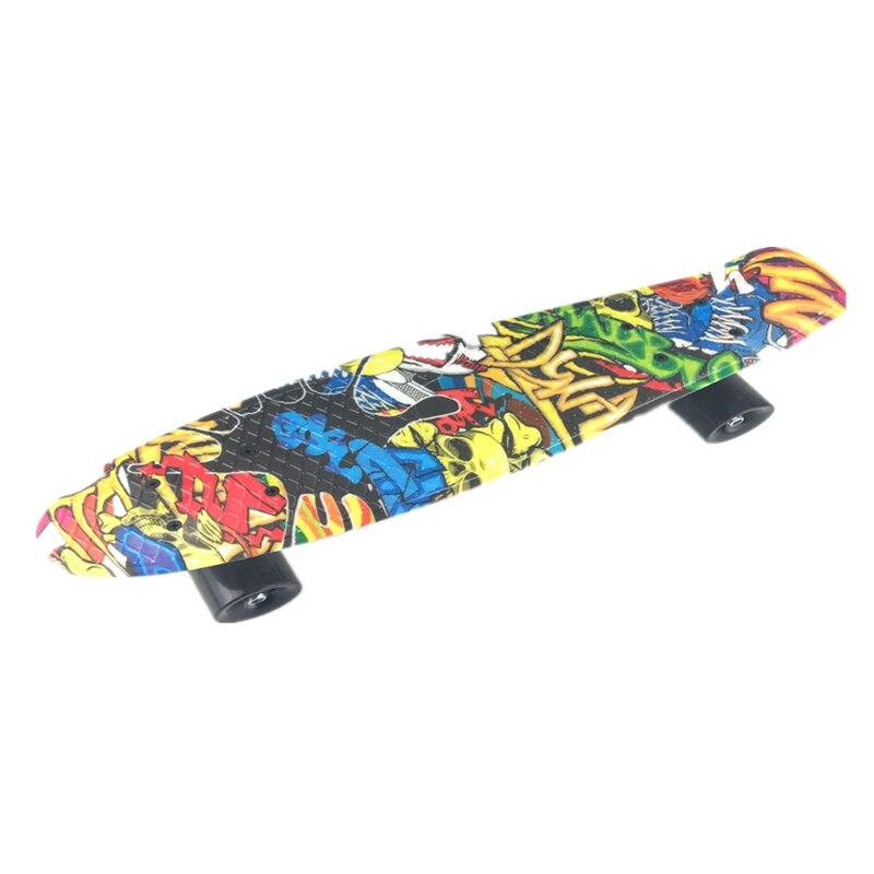 22 pouces Long conseil Graffiti rétro planche à roulettes Mini Cruiser Sports de plein air pour adultes ou enfants