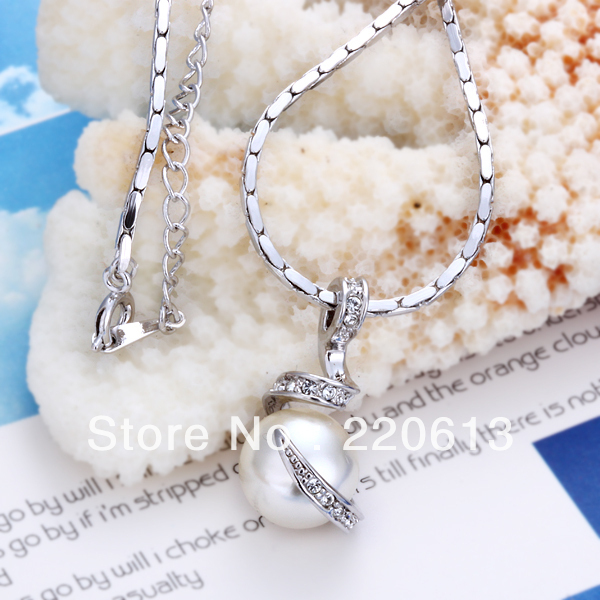 18K White GOLD GP Whote pearl  shinning crystal Fashion Pendant Necklace With Rhinestone Crystal